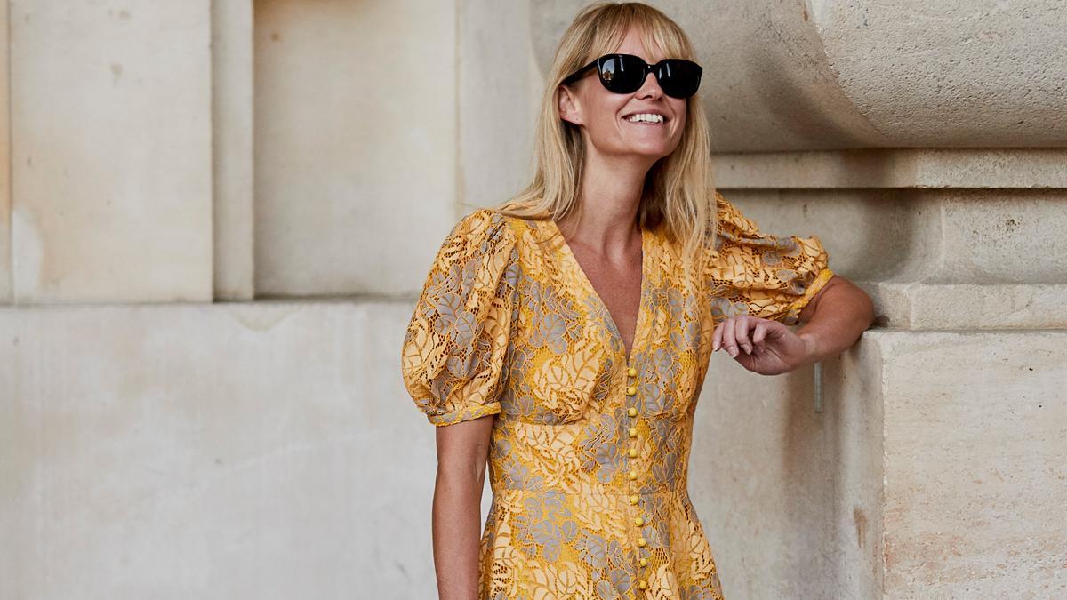 4 zwiewne sukienki na lato, które kupisz na wyprzedaży. Ceny do 69 zł!