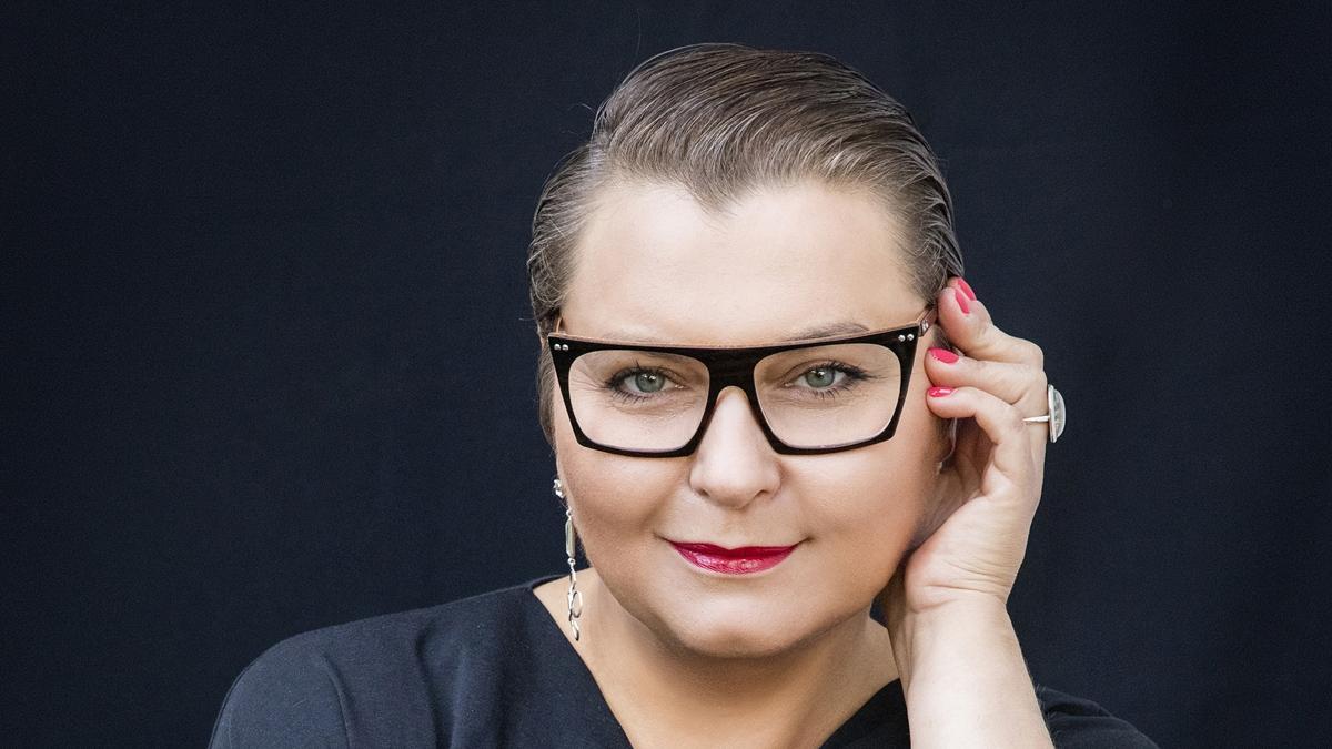 """""""8 zestawów, które skompletujesz z kilkunastu rzeczy i zawsze będziesz wyglądać świetnie"""", podpowiada stylistka, Anna Męczyńska"""