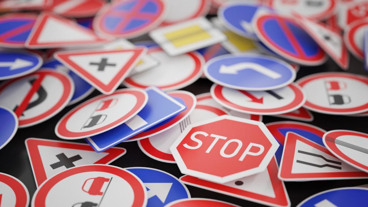 Będzie nowy znak drogowy! Niezastosowanie się do zakazu grozi mandatem wysokości 500 zł!