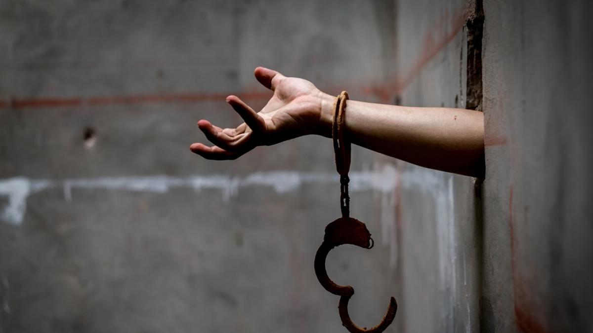 Była bita, gwałcona i zmuszana do prostytucji. Dostała dożywocie, gdy w wieku 16 lat zabiła swojego oprawcę
