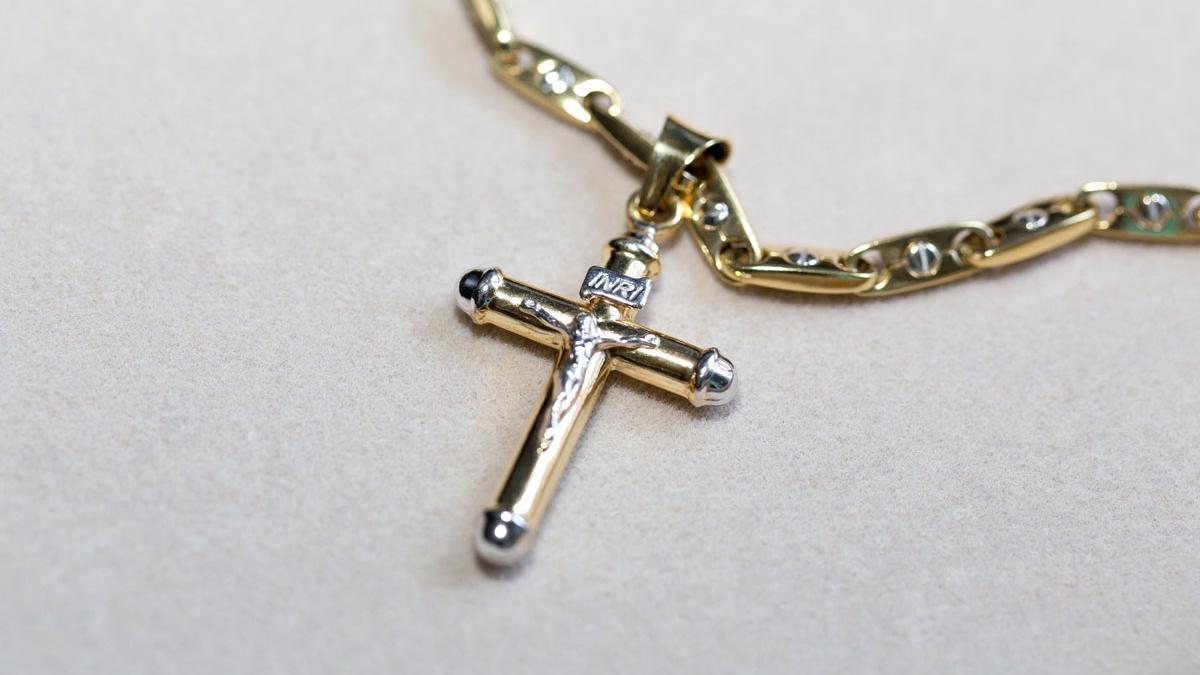 Czy krzyżyk na szyi coś jeszcze znaczy? O bogobojnej radnej, która obraża z podwójną siłą i odmawia przeprosin...