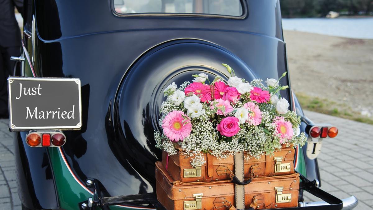 Dekoracje ślubne Samochodu Polkipl
