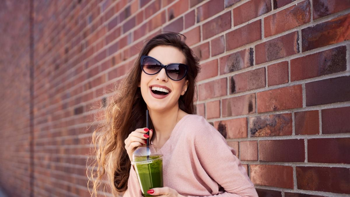Dieta sokowa ma odchudzać i oczyszczać z toksyn. A jak jest naprawdę?
