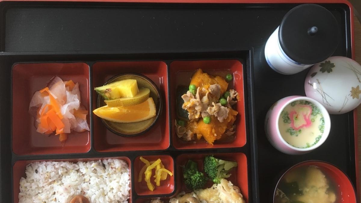 Jak rodzić, to tylko w japońskim szpitalu! Zobaczcie, co tam do jedzenia dostają matki po porodzie…