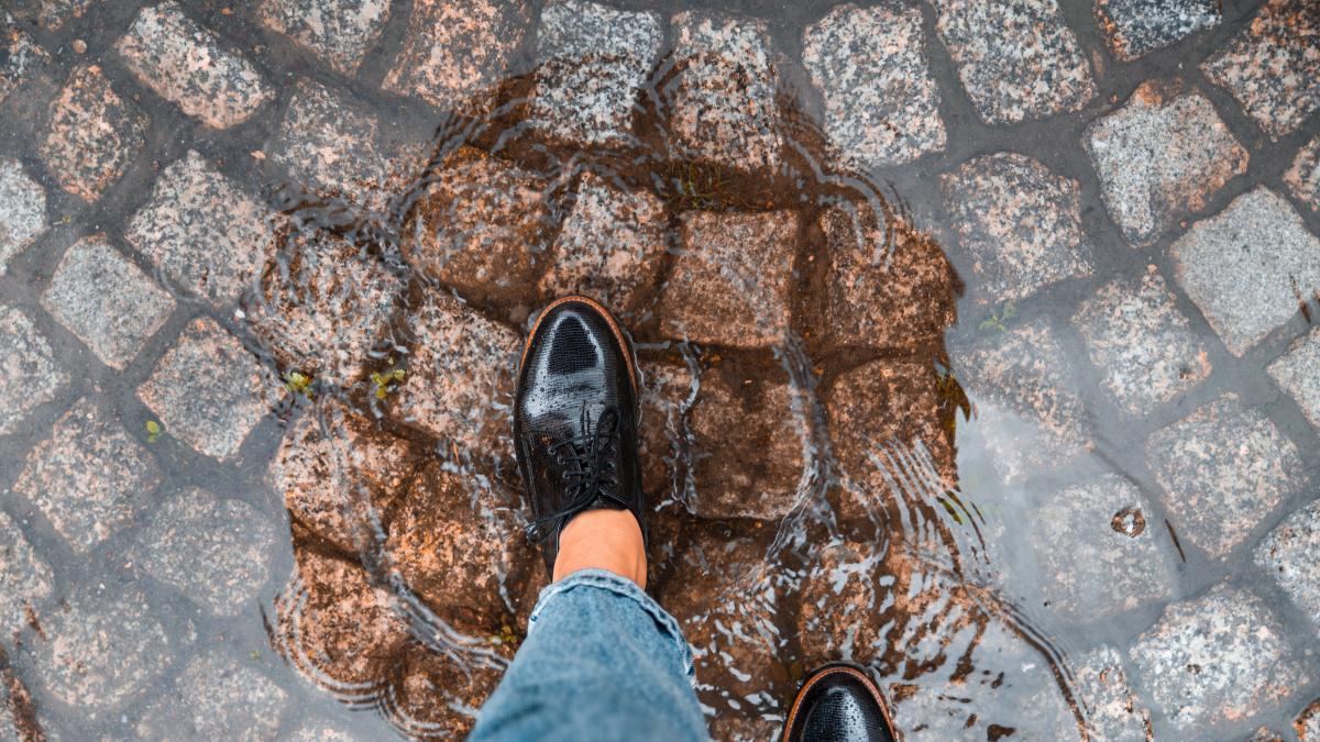 Jak Zabezpieczyc Buty Przed Woda Co Robic Zeby Buty Nie Przemakaly Porady Domowe Polki Pl