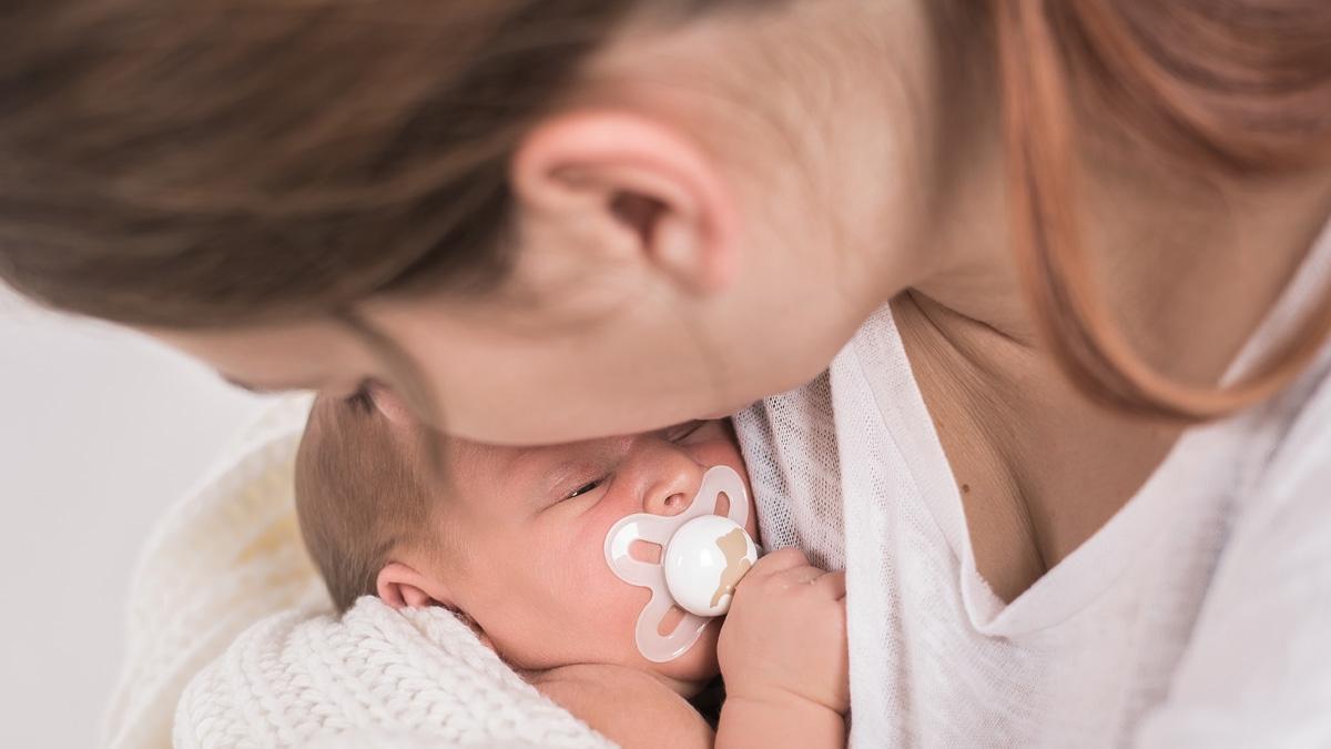 """Jeden z lekarzy twierdzi, że mężczyźni NIE powinni widzieć porodu, bo """"wielu z nich przeżywa po wspólnym porodzie traumę"""""""