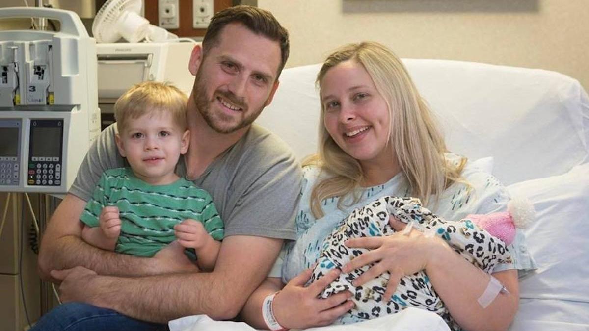"""""""Jej szanse na przeżycie wynoszą zero procent"""". Kobieta postanowiła jednak urodzić śmiertelnie chorą córkę, by uratować życie innym dzieciom"""