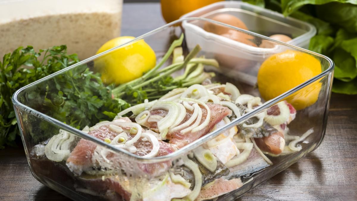 Jesteś fanką marynowanych ryb? Przygotuj karpia w zalewie octowej, który na stałe zagości w twoim menu!
