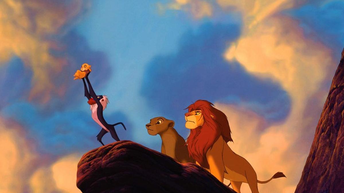 """Kto nie płakał na """"Królu Lwie""""? Wzruszająca bajka powraca w aktorskiej wersji. Wiemy, kto zagra Simbę i Mufasę"""