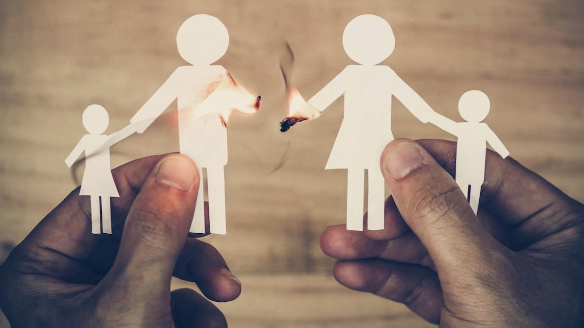 """LIST DO REDAKCJI: """"Już przestałam prosić, żebyś mnie kochał"""". Dlaczego ojcowie tak często niszczą życie swoim córkom?"""