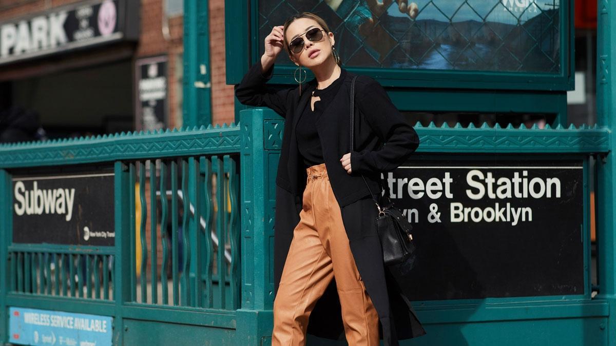 Must have to mało powiedziane! Czarny płaszcz to absolutna klasyka. Jaki wybrać tej jesieni?