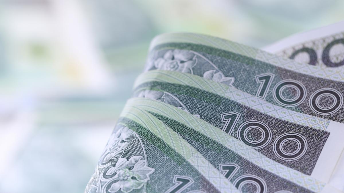 O zarabianiu, utrzymywaniu rodziny i oszczędzaniu. Dlaczego jednym starcza do pierwszego, a innym nie?