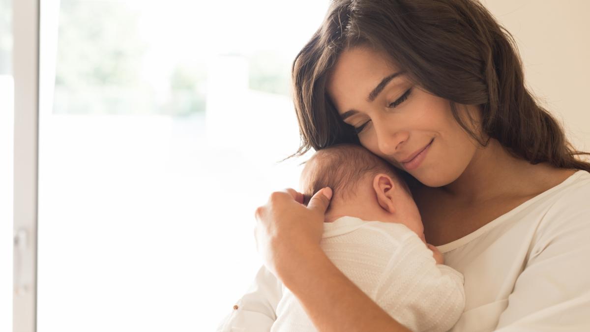 Obalamy mit: niemowlęta w nocy wcale nie budzą się z powodu głodu!