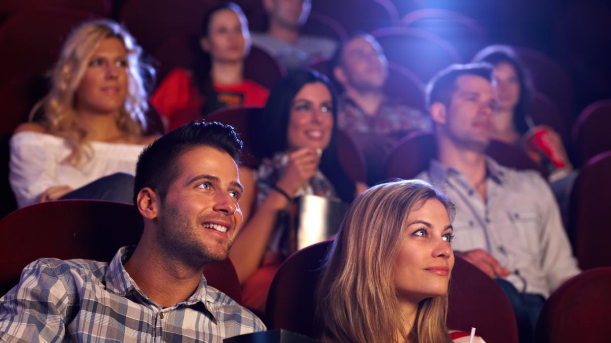 Na jakim poziomie odblokowujesz randki na uniwersytecie w Hollywood?