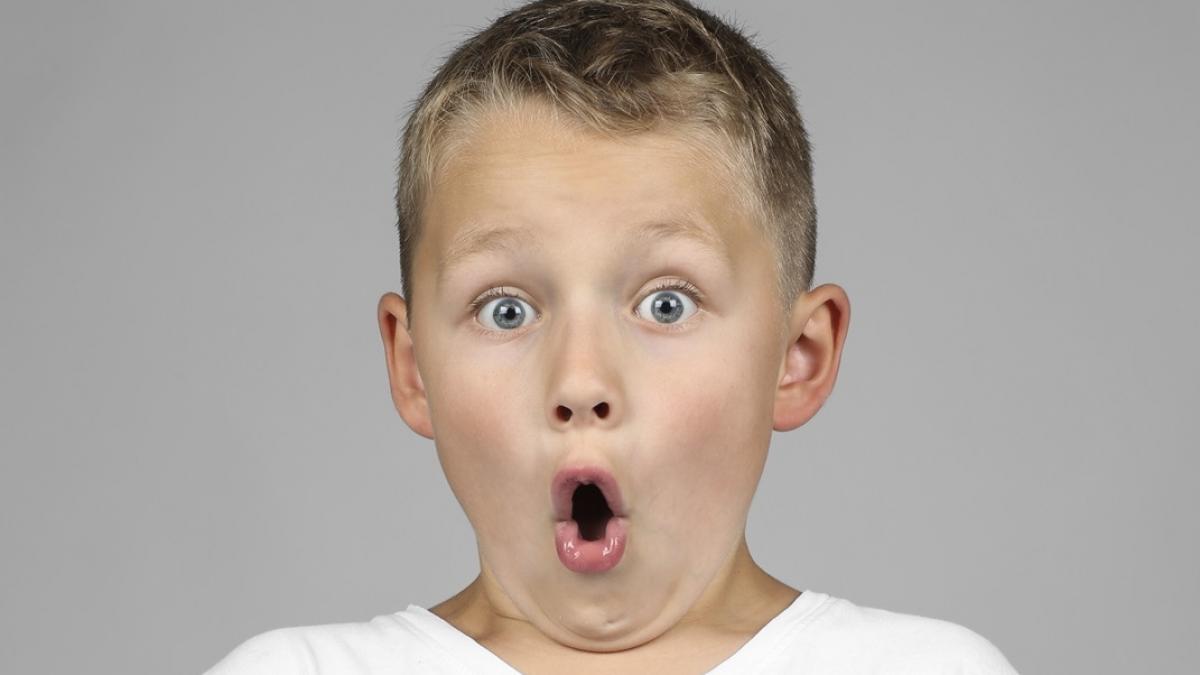 Reakcja tego chłopca na świąteczne ozdoby roztapia serca. Gwarantujemy, że się uśmiechniecie!