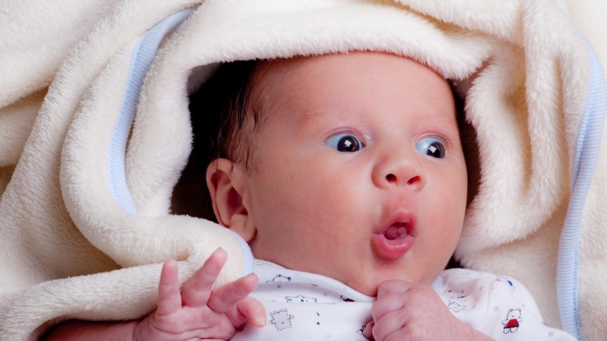 Skąd dziecko wie, że już czas się urodzić? Poród zależy właśnie od niego!