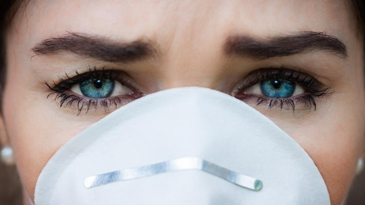 Smog może powodować utratę wzroku?! Zapytaliśmy lekarza o to, jak zanieczyszczenia z powietrza wpływają na oczy