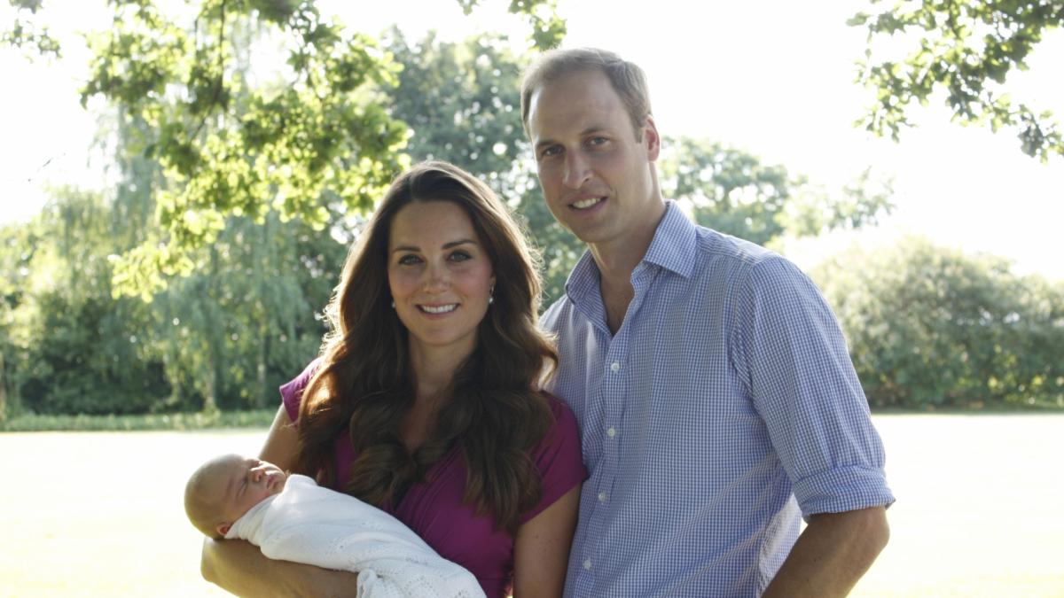 Trzecie royal baby jest już na świecie! Księżna Kate urodziła chłopca czy dziewczynkę?