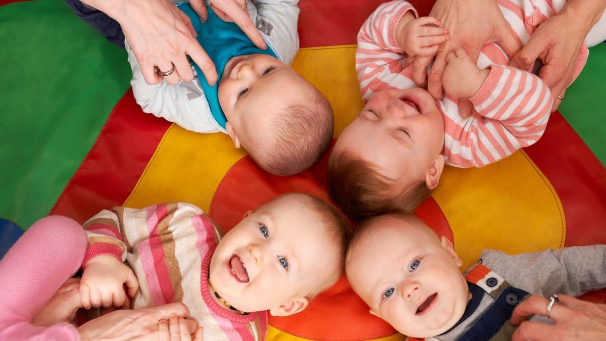 Zastanawiasz się jakie imię dla dziecka wybrać? Zobacz ranking tych najbardziej i najmniej popularnych
