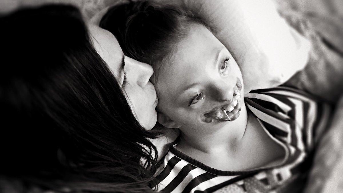 Zdjęcie jej niepełnosprawnej córki umieszczono na plakacie proaborcyjnym. Matka zrobiła burzę na Twitterze