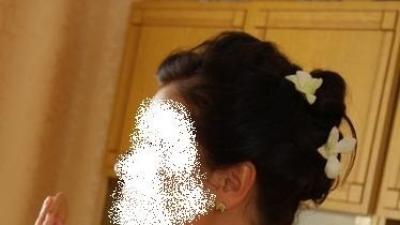 Atrakcyjna suknia ślubna ecru 40rozm.