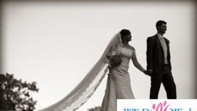 Bajeczna suknia ślubna White One 176