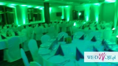 Bajeczne oświetlenie sali weselnej