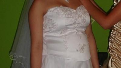 bajkowa suknia slobna dla kobiety w ciazy