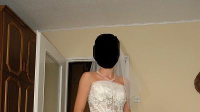 bajkowa suknia ślubna od plastyków