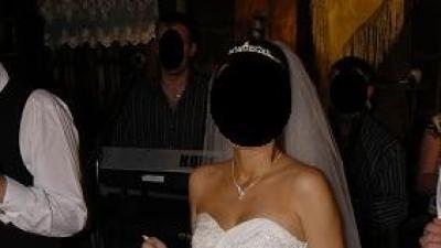bardzo ładna suknia ślubna