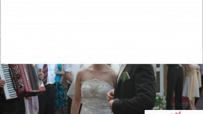 Bardzo piękna i oryginalna suknia ślubna + szal