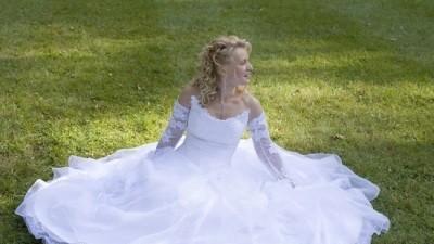 Biała Efektowana Suknia Agory  Sprzedam  za 1.000,00 !!!