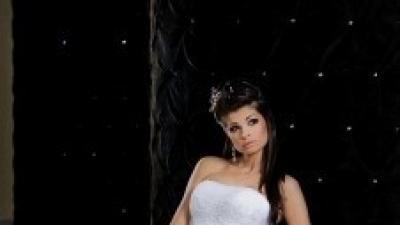 Biała Shirvan dla księżniczki