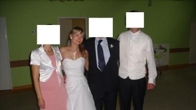 biała wyjątkowa suknia slubna z dodatkami sezon 2010