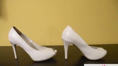 Białe, skórzane byty ślubne LA-BODA C109