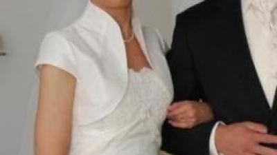 bolerko + welon do sukni ślubnej Kivor w kolorze bardzo jasnego ecru