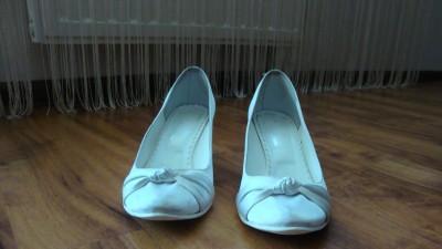 Buty ślubne atłasowe białe roz. 37