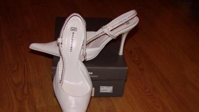 buty ślubne białe z cyrkoniami ze skóry