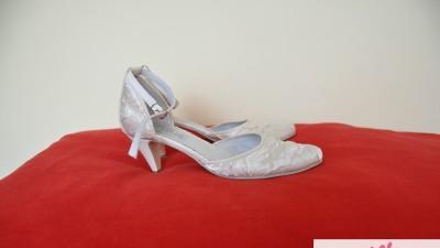 buty ślubne rozm. 38 / obcas 5 cm