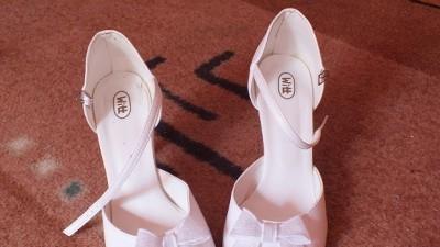 Buty ślubne z kokardką rozm. 40