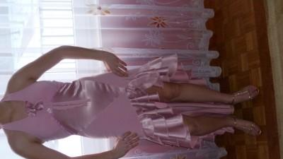 cudna różowa suknia