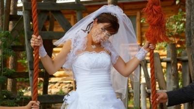 Cudowna I wygodna suknia z koronkowym bolerkiem firmy PAPA MICHEL