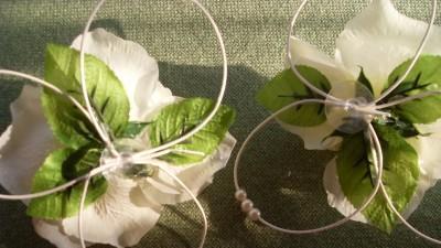 Dekoracja ślubna złote serce, róże ecru