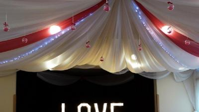 Dekoracje sal weselnych Gorlice, dekoracje sal weselnych Jasło, mega napis świecący LOVE