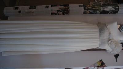 Delikatna i Subtelna Suknia Ślubna firmy Aqua Dresses z USA