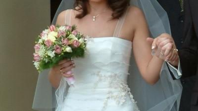 Delikatna suknia ślubna w kolorze ecru, rozmiar 36/38