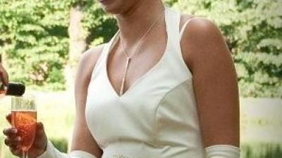 Delikatna, z pięknym srebrnym pasem - CLASSA
