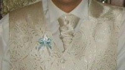 Do sprzedania kamizelka ślubna z musznikiem i butonierką