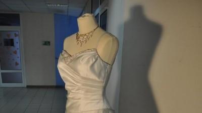 Duży wybór sukien ślubnych! Atrakcyjne ceny! Różne modele!
