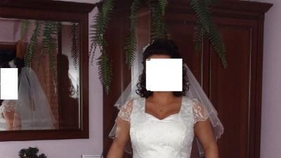 Dwuczęściowa suknia-jaśniutkie ecru